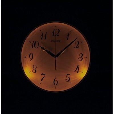 画像1: SEIKO 電波掛け時計 暗くなると自動で点灯